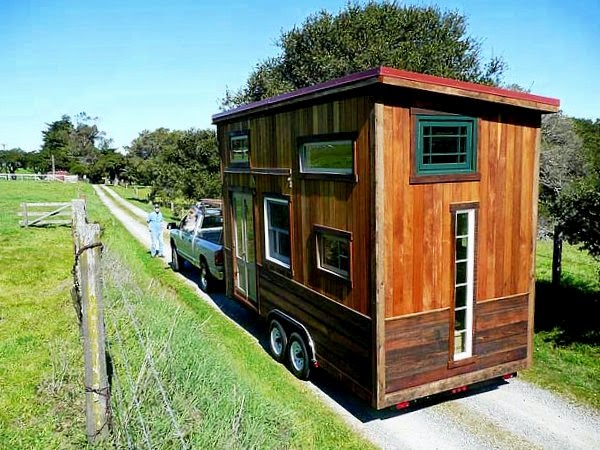 colins-coastal-cabin-a-unique-tiny-home-on-wheels-less-is-more-downsizing-living-large-in-small-spaces-the-flying-tortoise